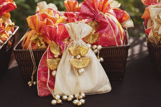 best wedding return gifts for guests